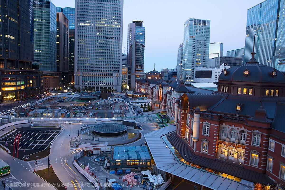 トワイライトタイムへと突入する前の東京駅