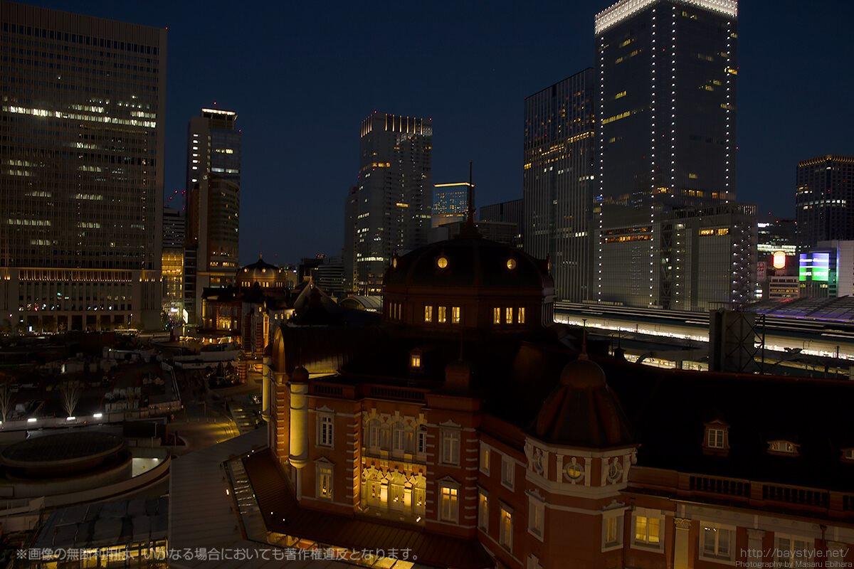 暗闇に包まれていくにつれ輝きを増す街の明かり
