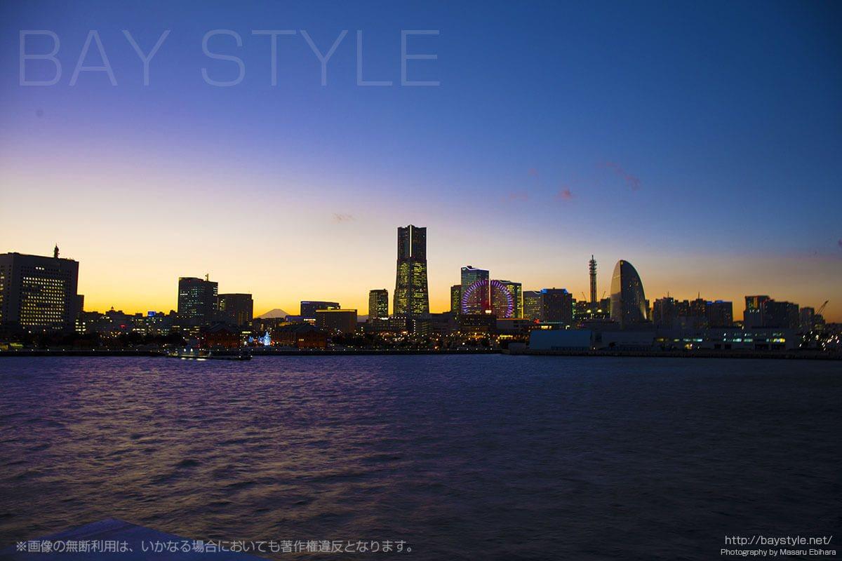 デートにおすすめ横浜大さん橋からのマジックアワーが超絶美しすぎる!