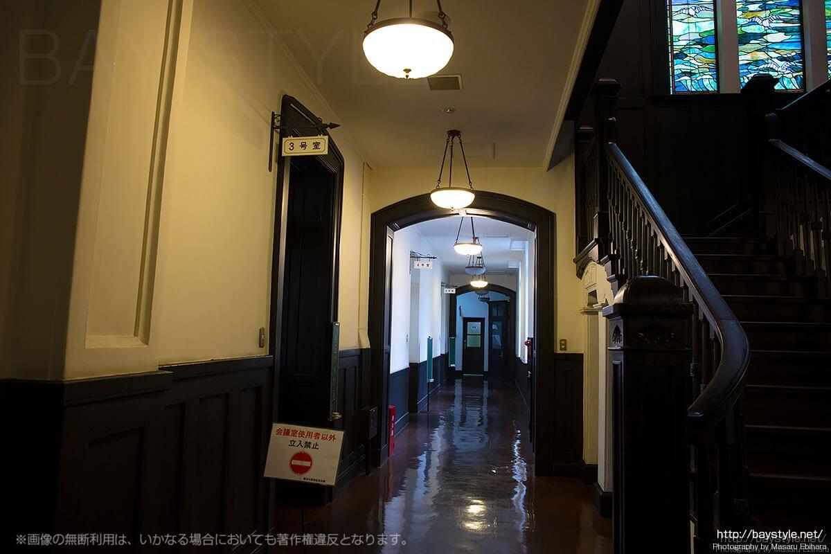 横浜市開港記念会館1階の様子