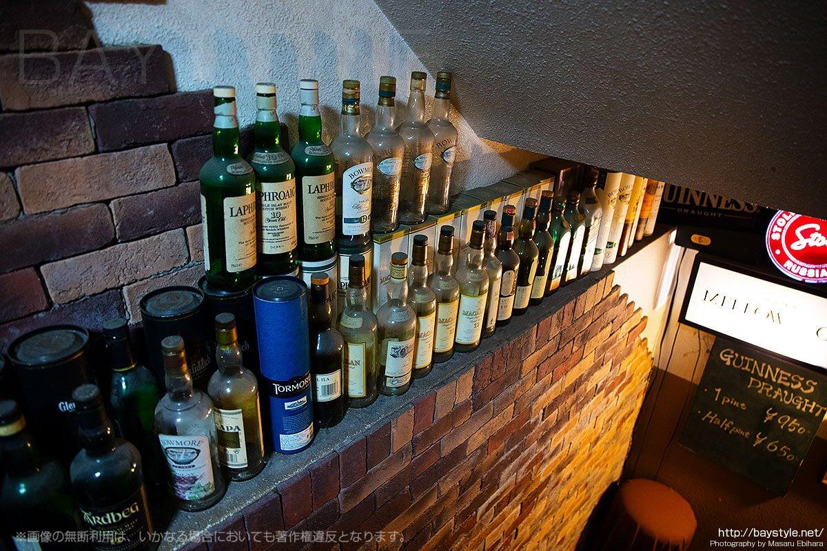 メロウクラブ (Bar Mellow Club)地下へとつながる階段