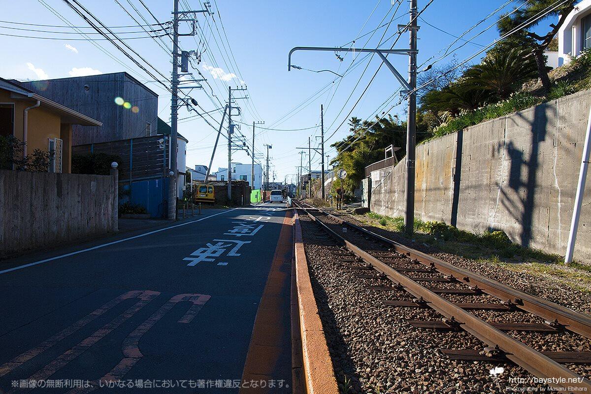 稲村ケ崎駅付近の線路