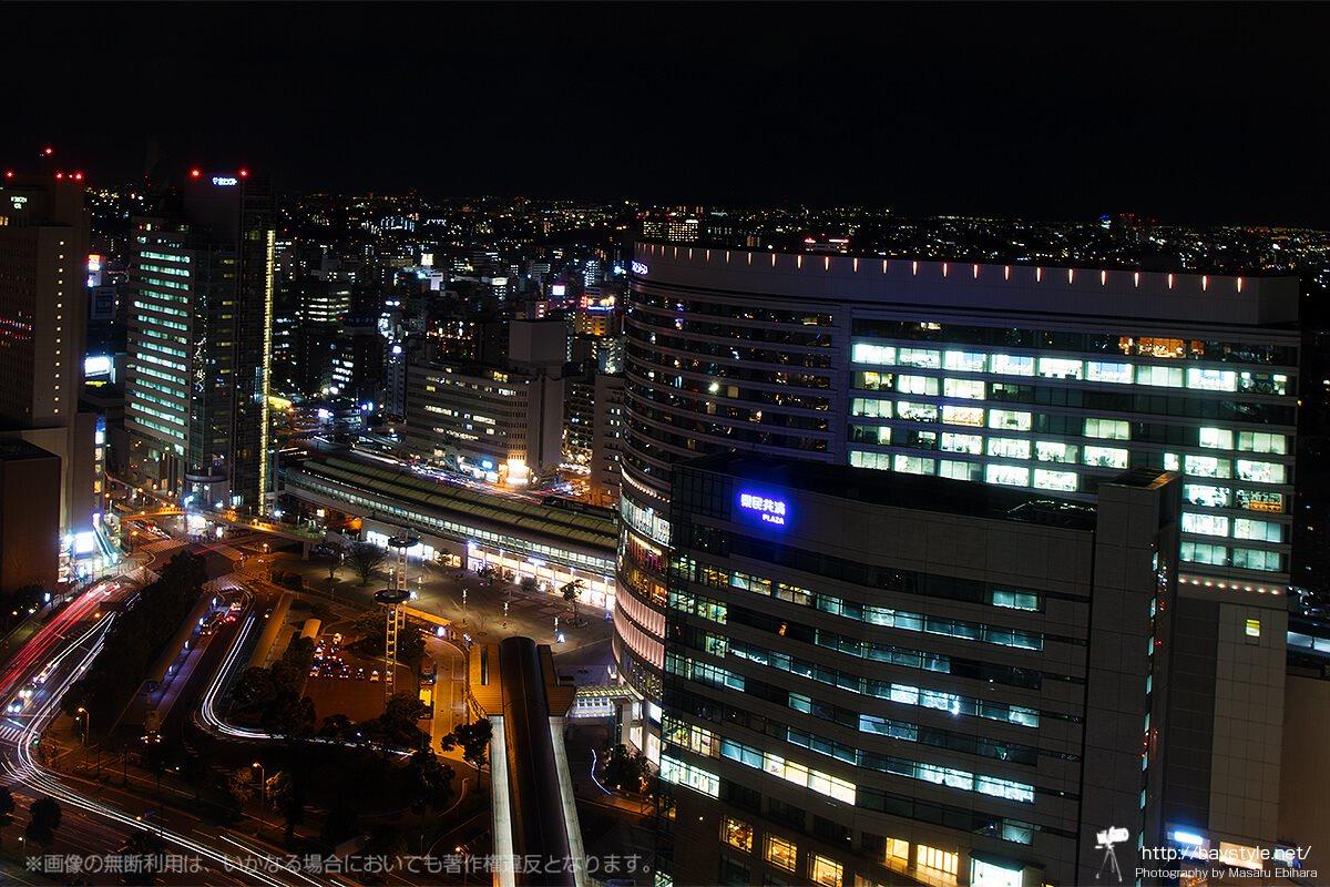 横浜ランドマークタワーオフィスフロアから見た桜木町の夜景