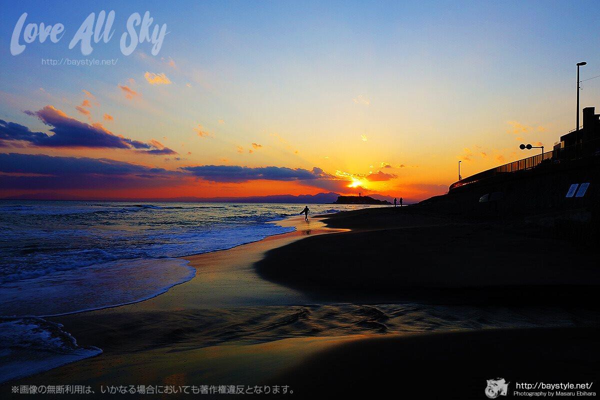 稲村ケ崎から眺めた夕日と江ノ島