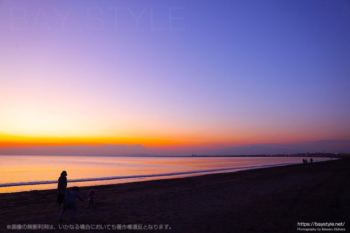 日没直後の海岸線