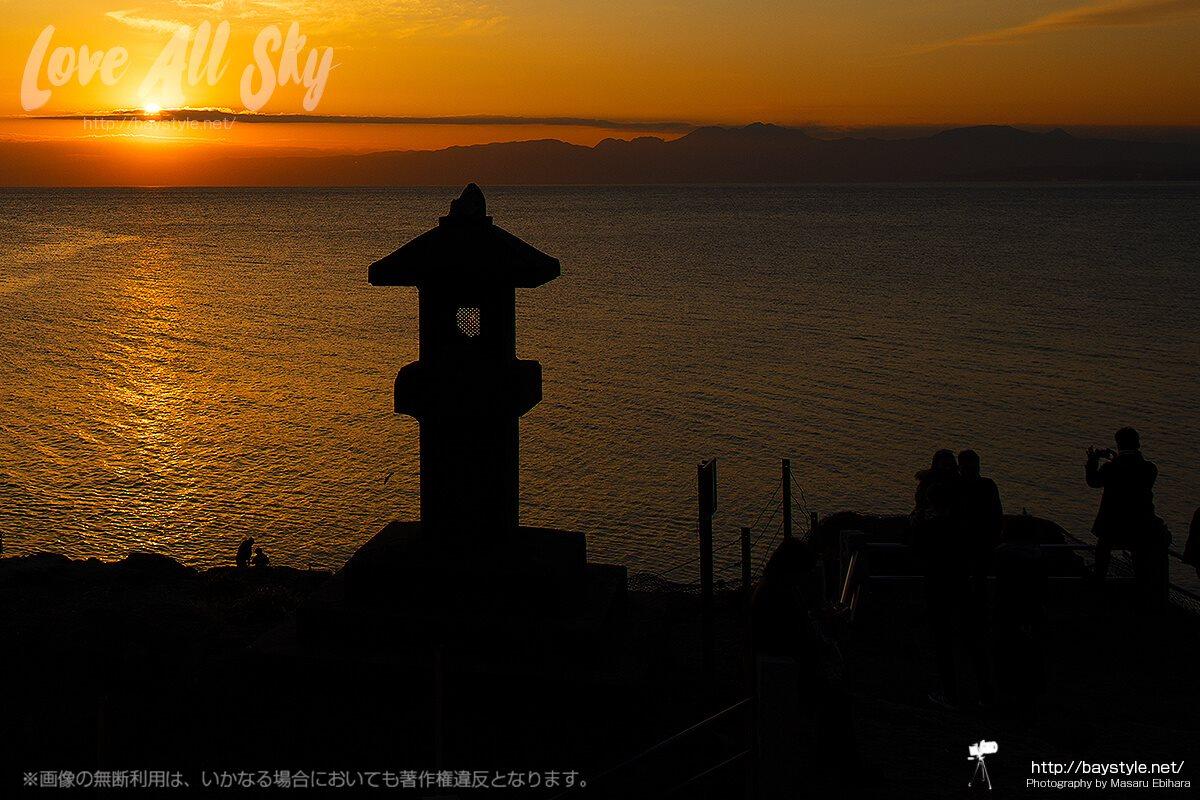 岩屋からの夕日