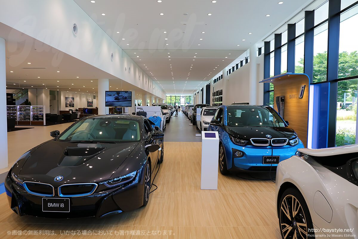 BMW新車展示コーナー