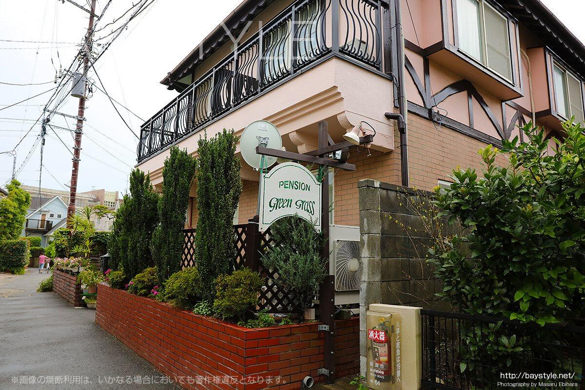 グリーングラスは、由比ヶ浜の海水浴、鎌倉散策に最適なペンション