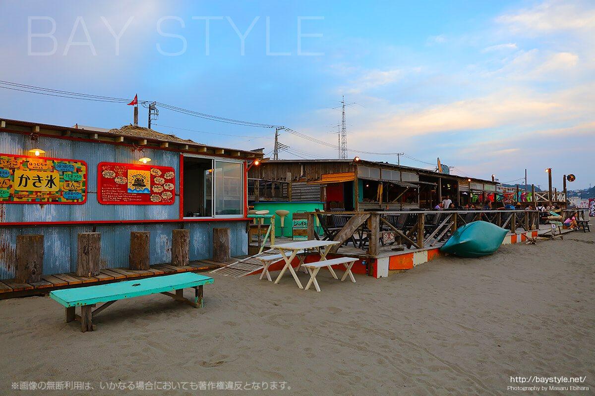 鎌倉由比ヶ浜の海の家、Asia