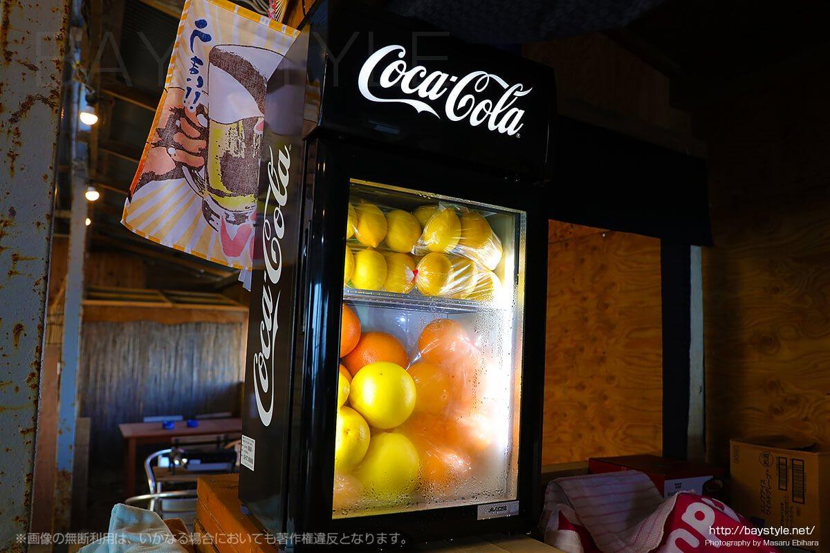 フレッシュな果実が格納された冷蔵庫