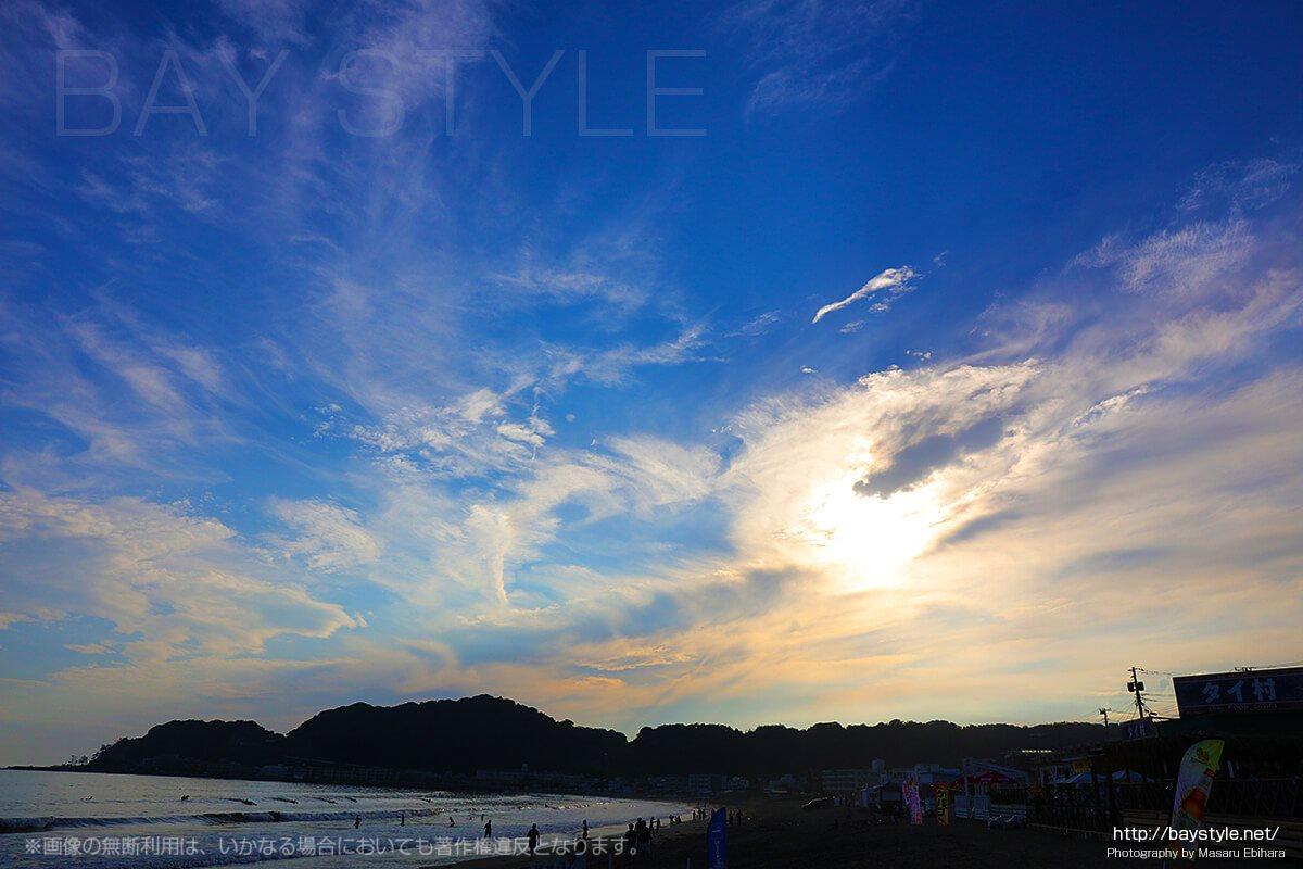 由比ヶ浜の空