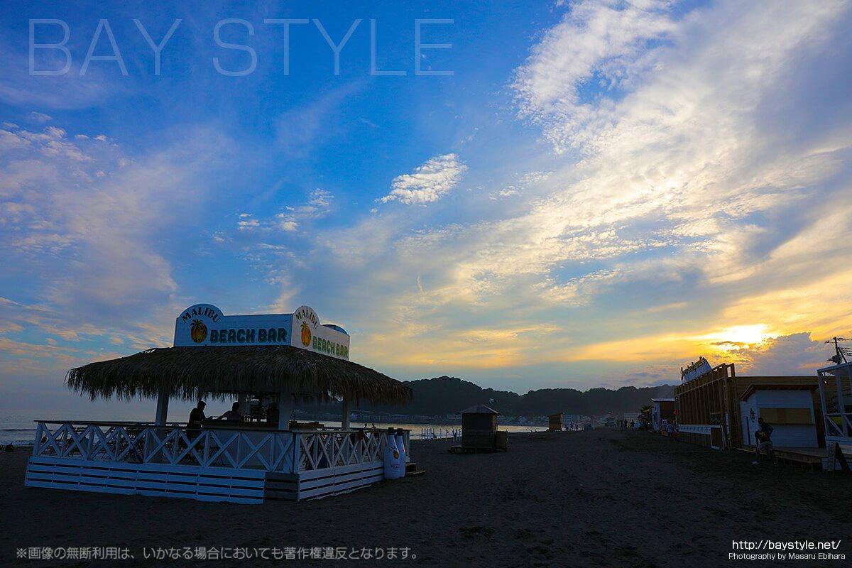 鎌倉由比ヶ浜、「マリブバー」の11年前と2017年の姿