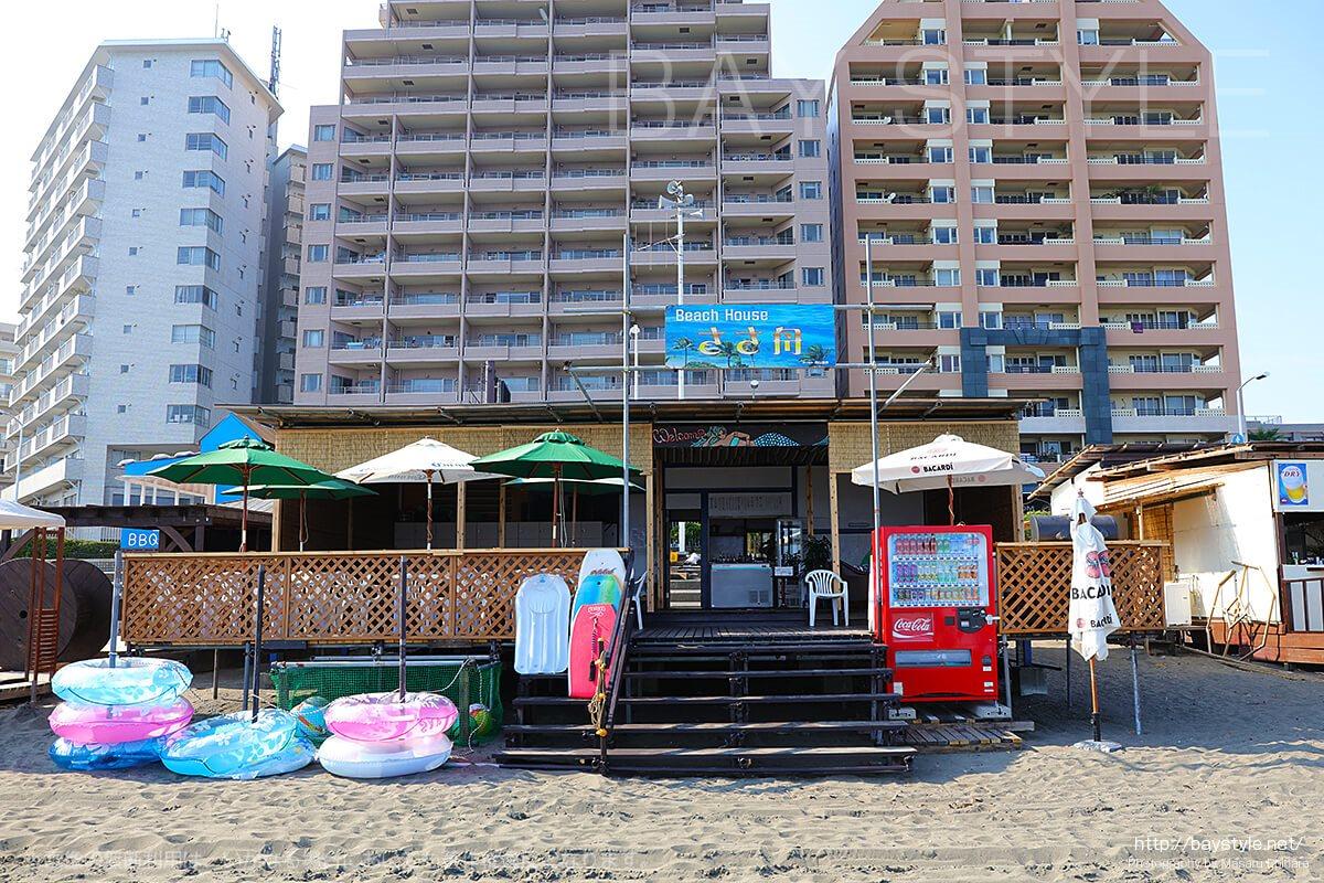ささ舟、江ノ島東浜の海の家