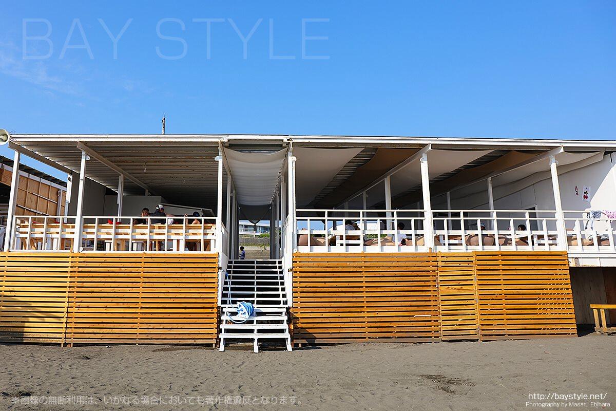 「IBIZA HOUSE」のビーチ側入り口
