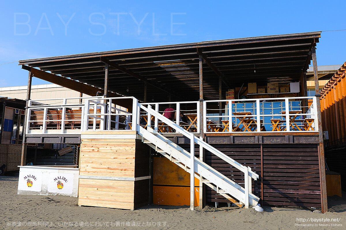 「Beach House AJITO」ビーチ側入り口