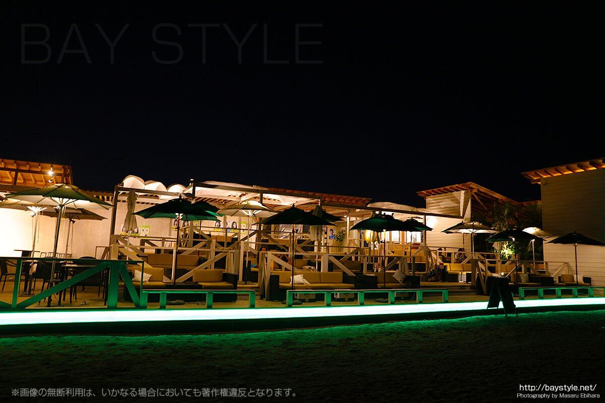 音霊ビーチテラス(OTODAMA BEACH TERRACE)、夜のライトアップがハート型