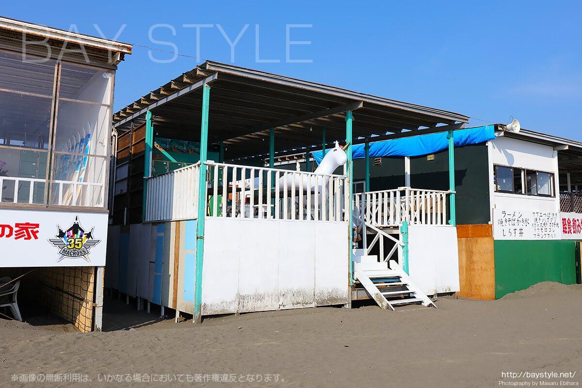 「ビーチハウスA」海側店舗入り口