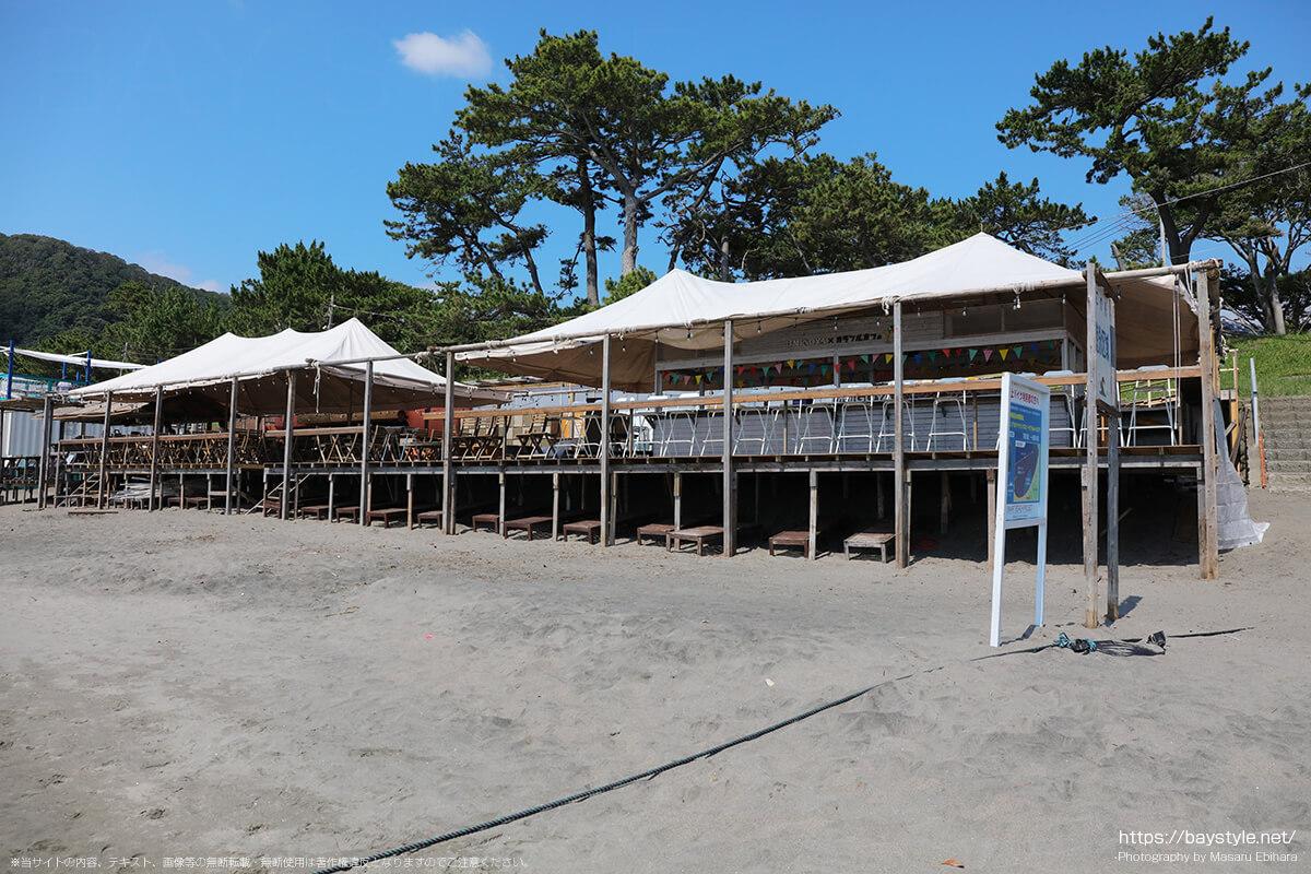 UMIGOYA・海小屋、葉山一色海水浴場の海の家