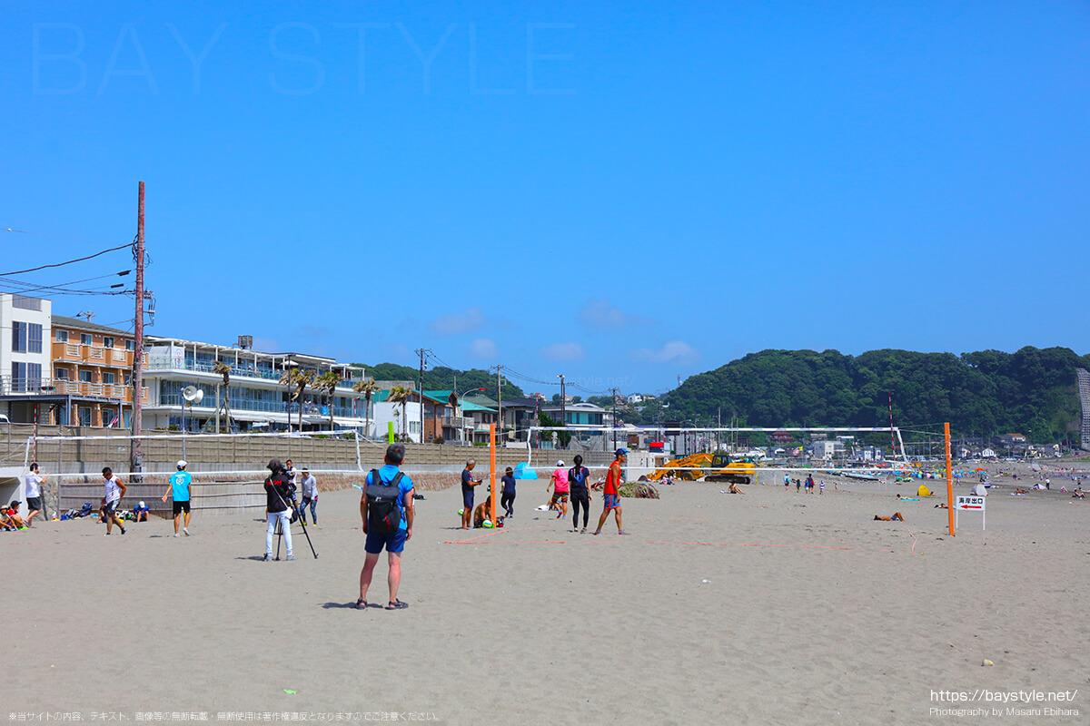 海の家Asiaの隣に設置されているビーチバレーのコート