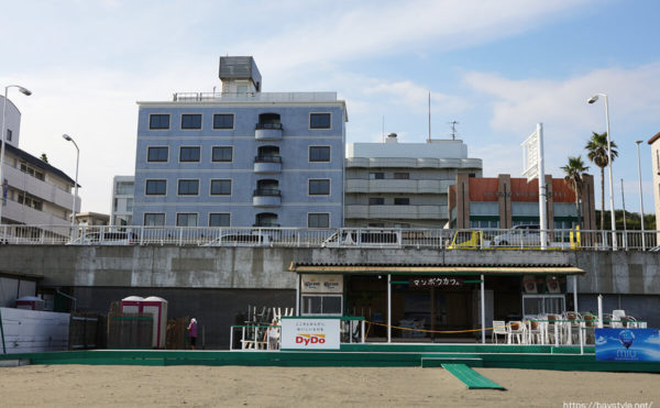 マンボウカフェ、片瀬東浜海水浴場の海の家