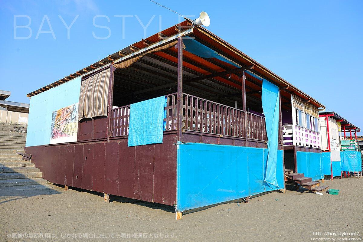 「LAWALAWA(ラワラワ)」海側店舗入り口