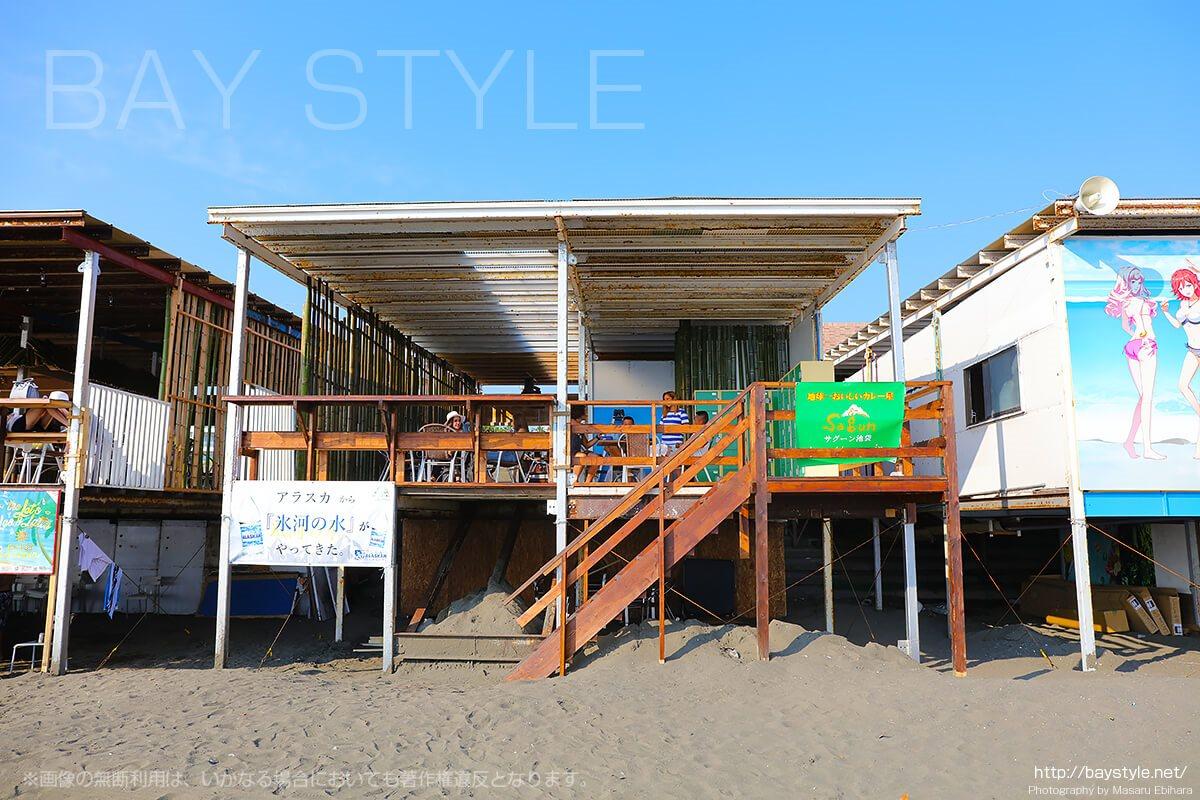 「TANPAN BEACH HOUSE」海側店舗入り口