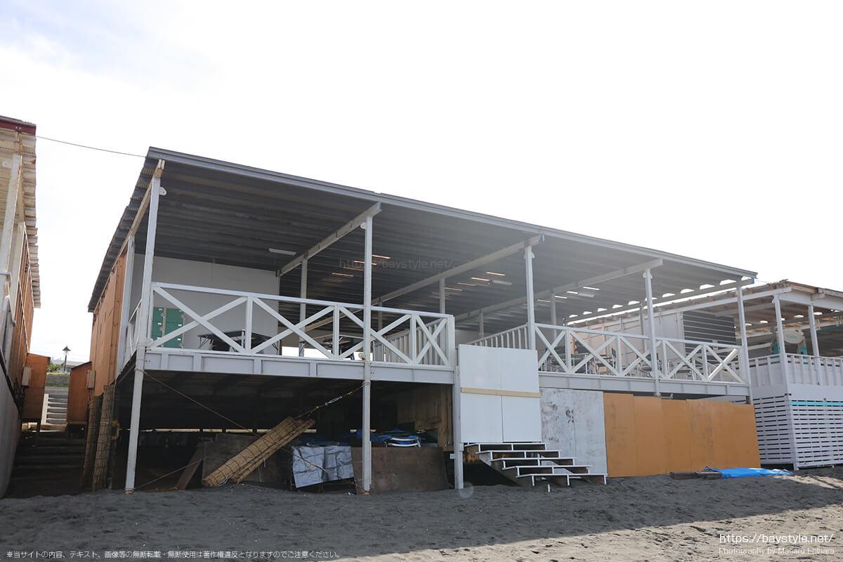 ビーチ側入口