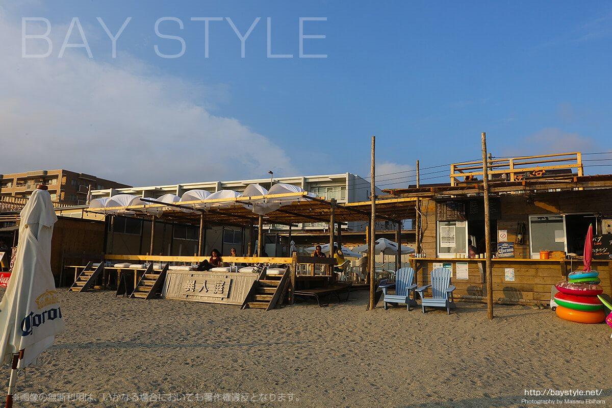 異人庭、逗子海水浴場の海の家