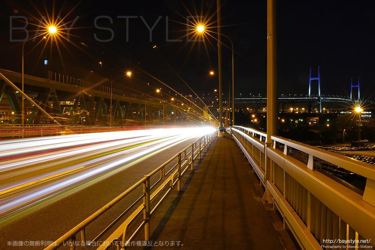 大黒大橋からのベイブリッジの夜景ライトアップ