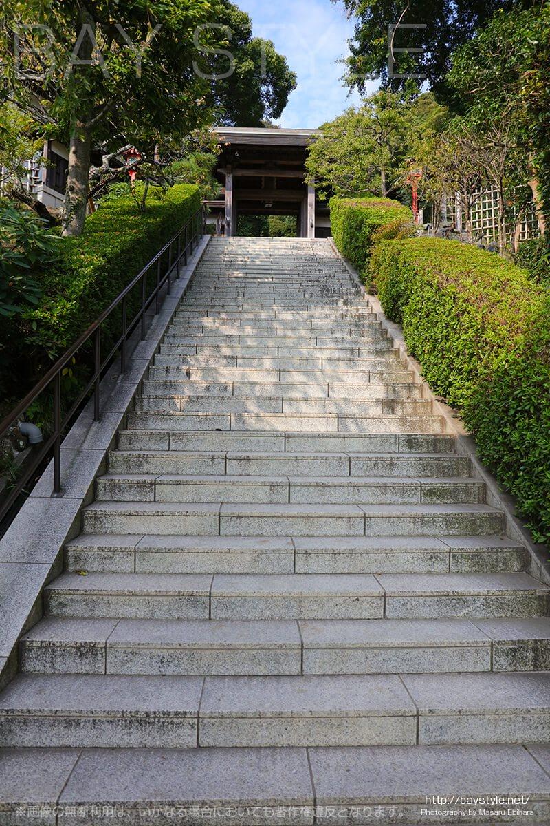 荏柄天神社の入口階段