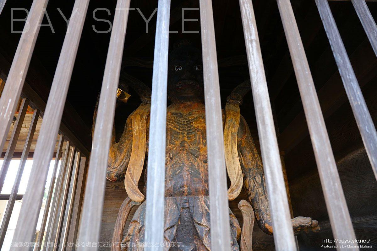 本覚寺の金剛力士像