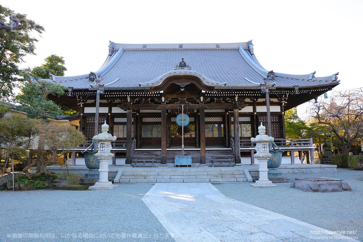 お正月は福娘とえびす様で商売繁盛祈願、鎌倉本覚寺