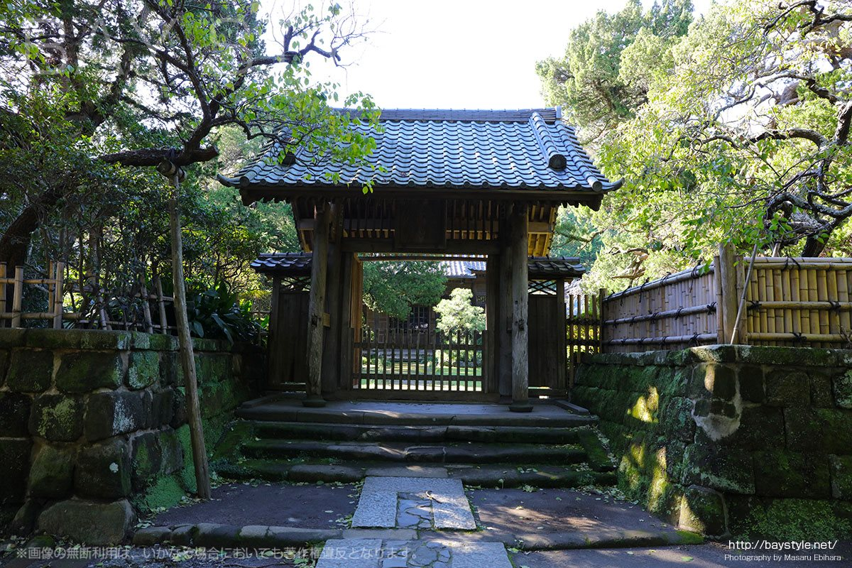 寿福寺の山門