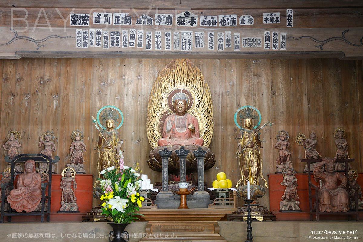 鎌倉海蔵寺は雰囲気がよい紅葉が綺麗な薬師如来がいるお寺