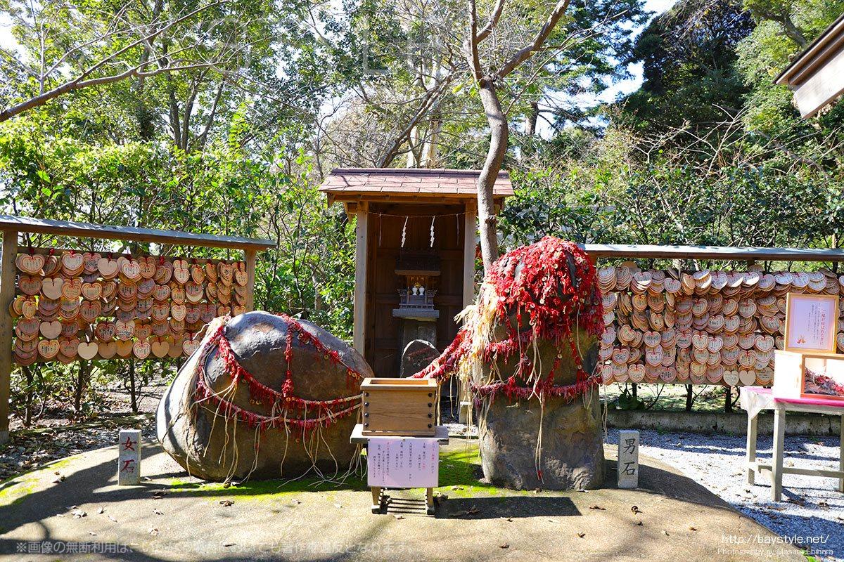 縁結び恋愛成就ならハート形の絵馬が特徴的な鎌倉葛原岡神社