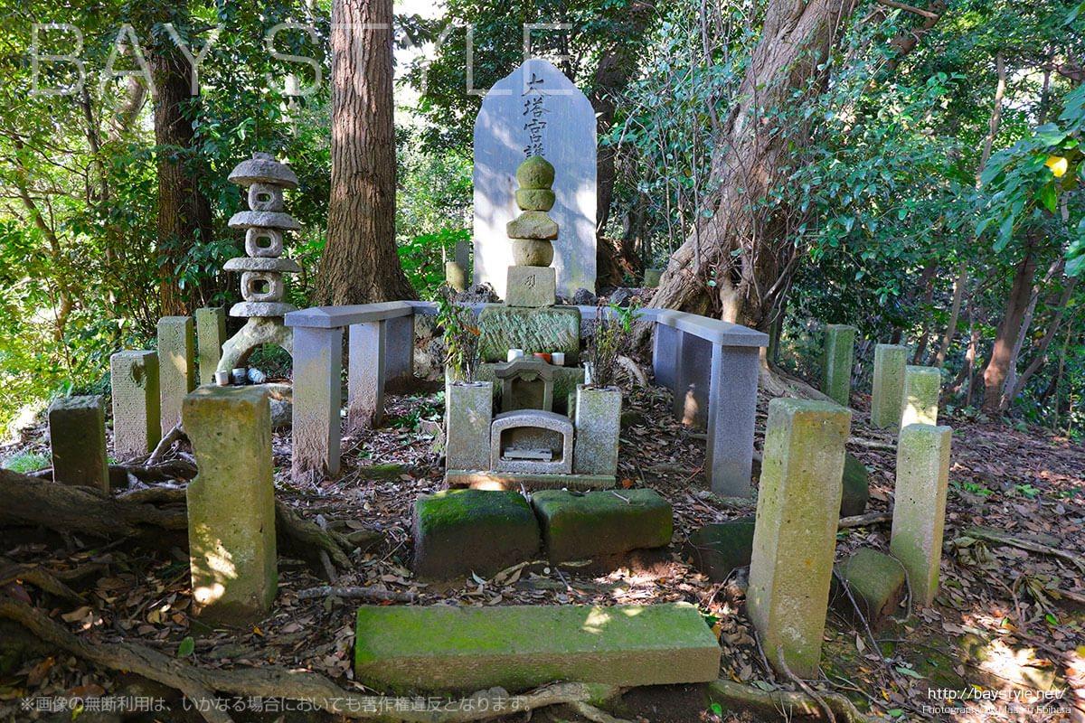 妙法寺の護良親王御墓