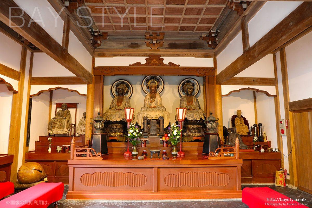 室町時代に過去、現在、未来の神が祀られた浄智寺は禅宗発展の地