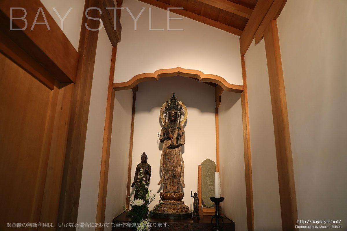 重要文化財である木造観音菩薩立像