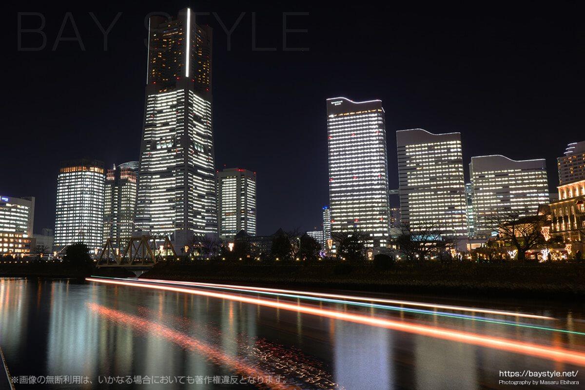 北仲通北第三公園からのランドマークタワーの眺め