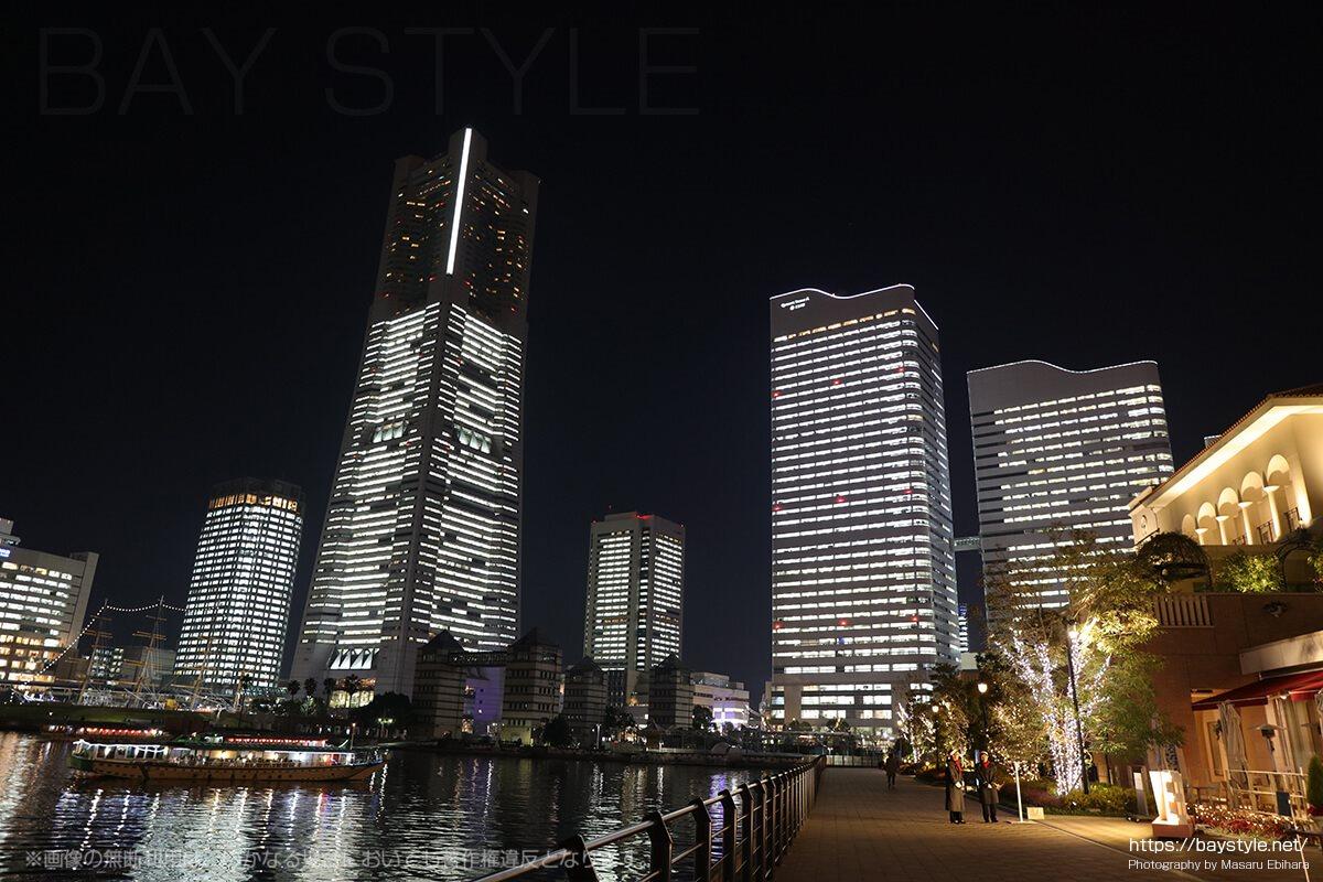 全館ライトアップ時のアニヴェルセルみなとみらい横浜からの夜景