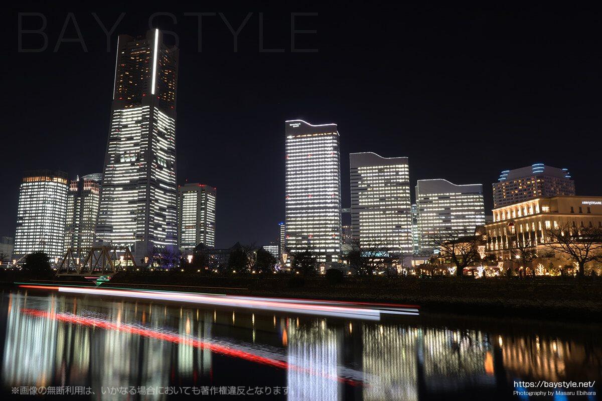 北仲通北第三公園からの全館ライトアップの眺め