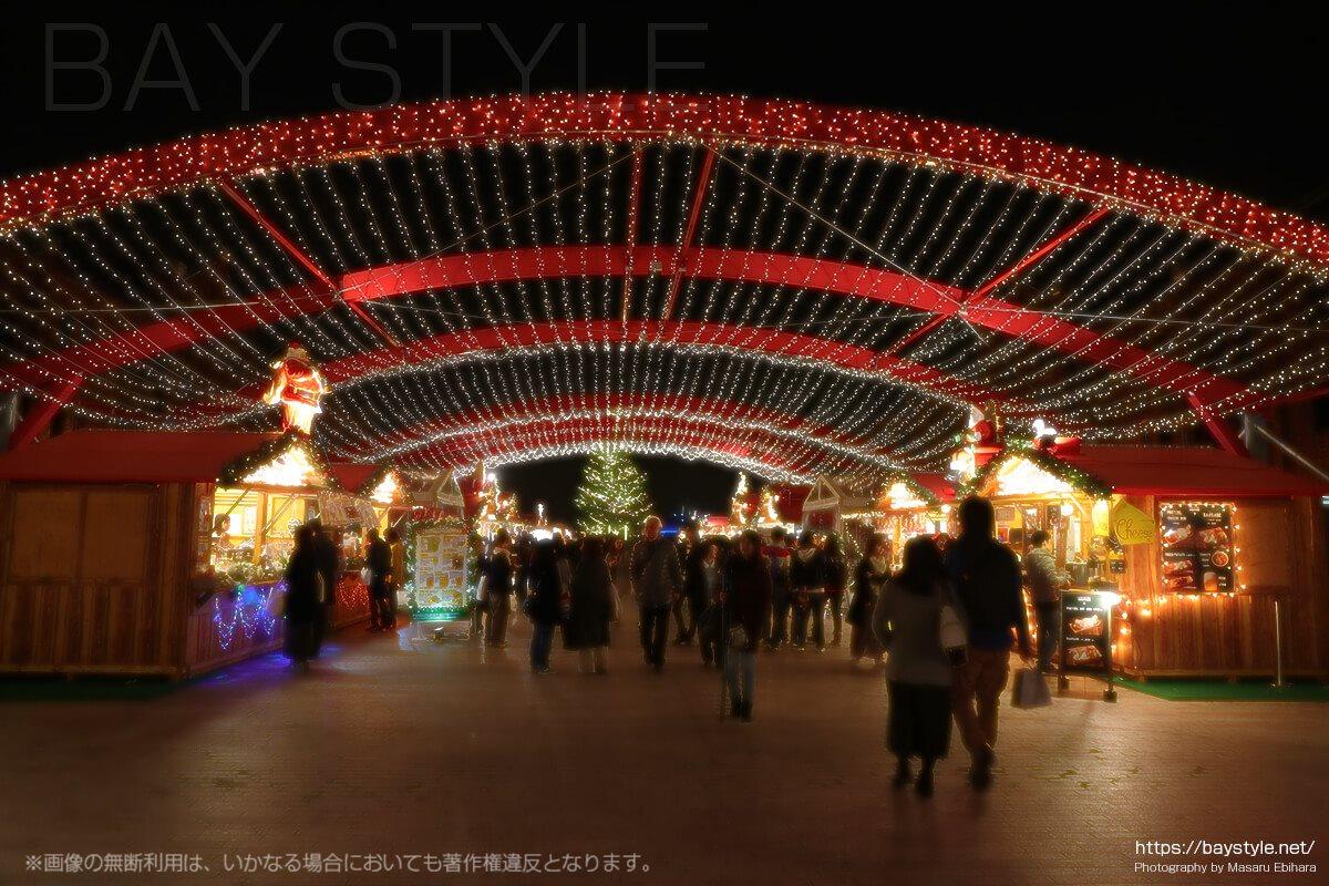 赤レンガ倉庫のクリスマスマーケットのイルミネーション