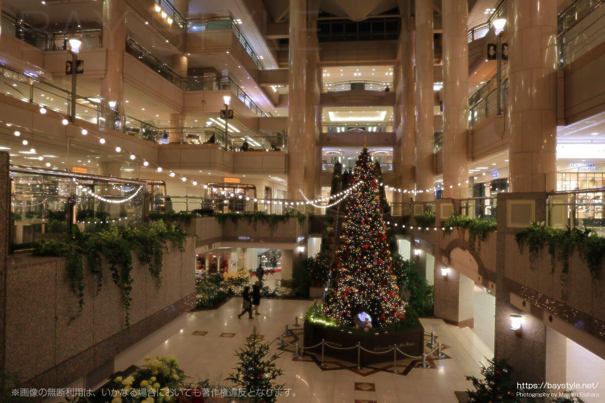 ランドマークタワーのクリスマスツリー