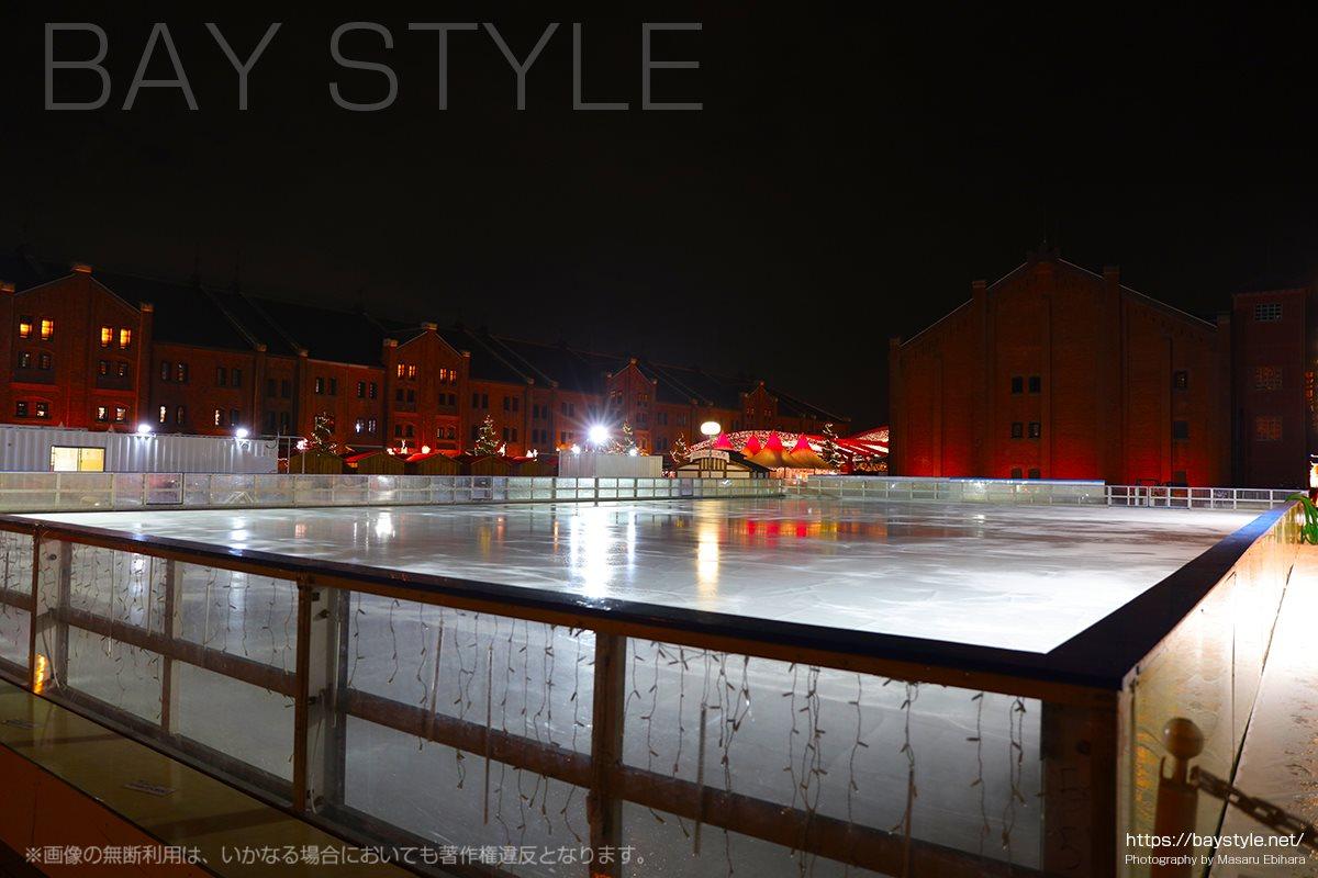 準備中の赤レンガ倉庫のスケートリンク