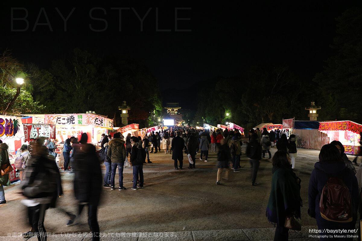 鶴岡八幡宮初詣の境内の様子