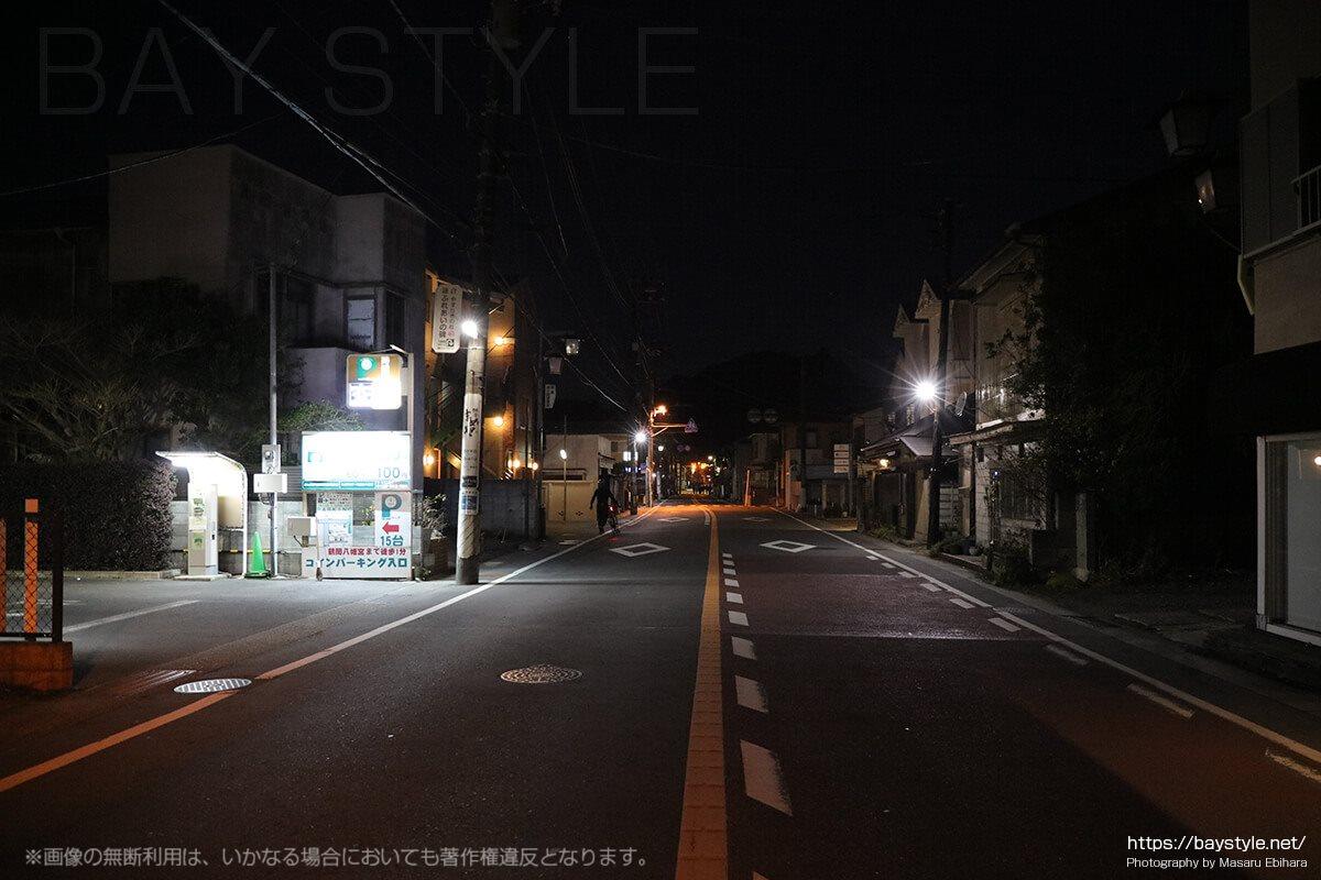 交通規制中の鶴岡八幡宮周辺の様子