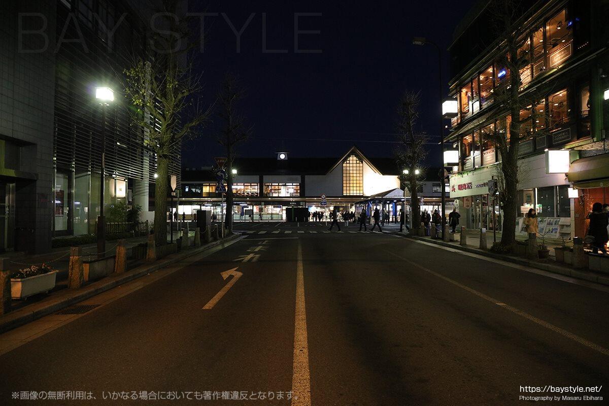 交通規制中の鎌倉駅周辺の様子