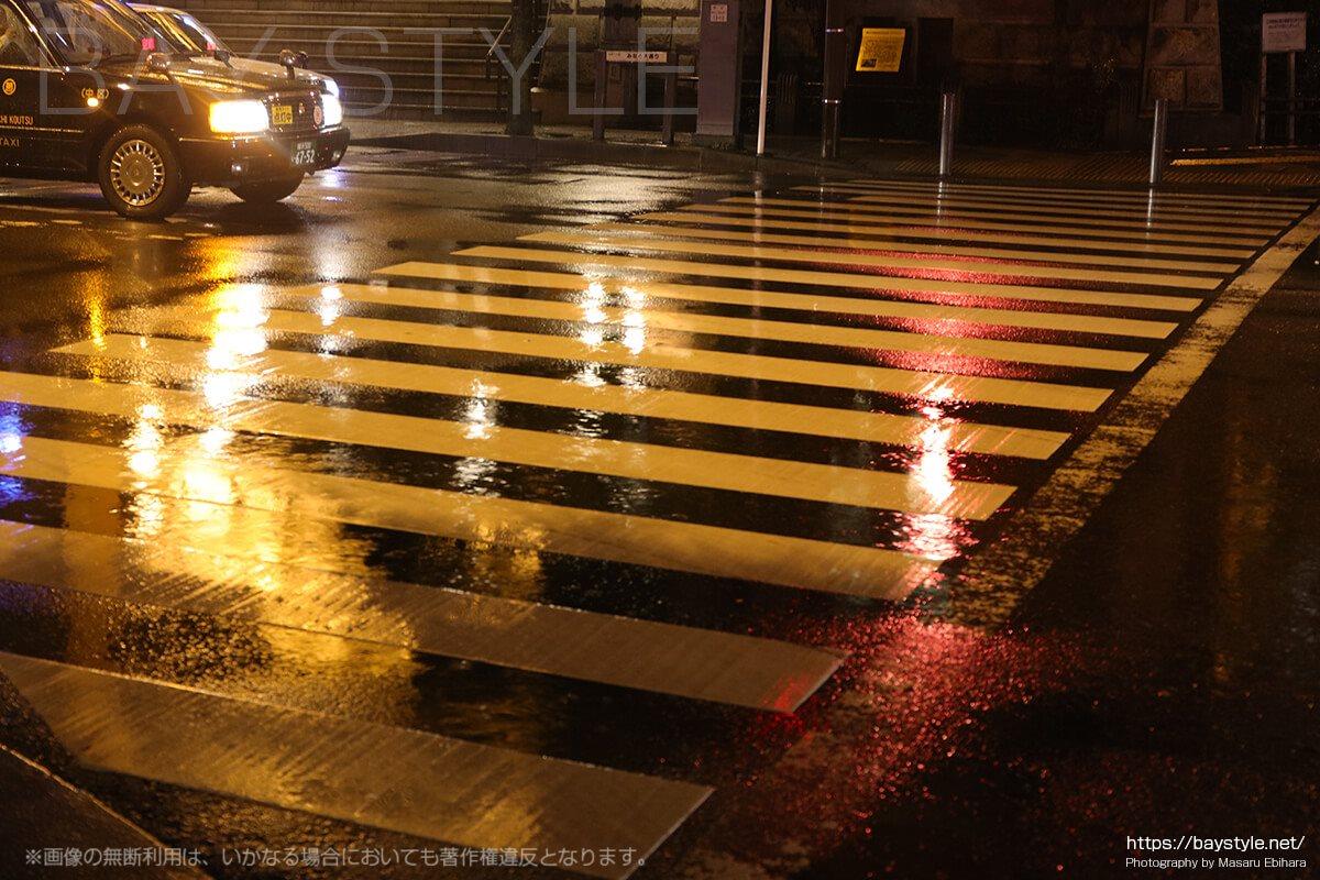 横浜開港記念館前の横断歩道