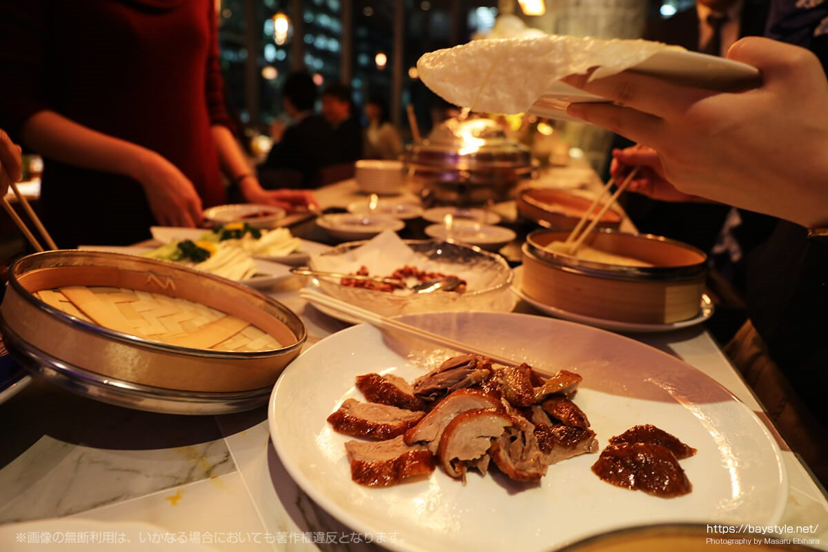 肉まで食べることができる盤古殿の北京ダック