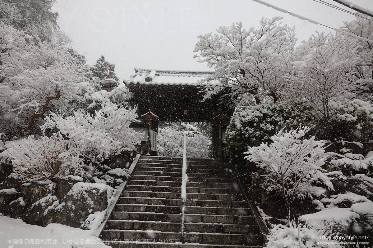 雪の日の覚園寺